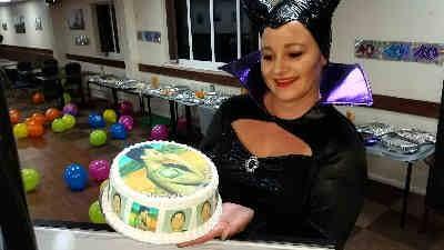 Robbie Williams Birthday Cake - Happy Sounds Mobile Disco